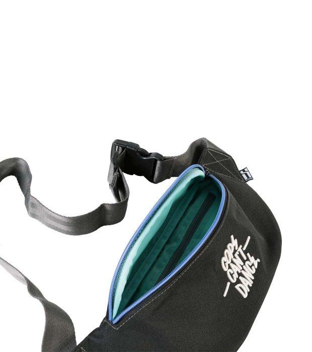 Vice-bag-front-zipper-open